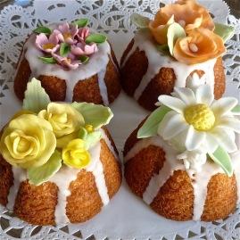 Flower Cakelets