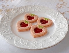 Strawberry Linzers